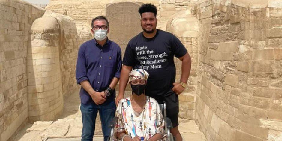 «تنسيقية الأحزاب» تصطحب جلوريا فيتال في زيارة للأهرامات.. والأخيرة: i love Egypt