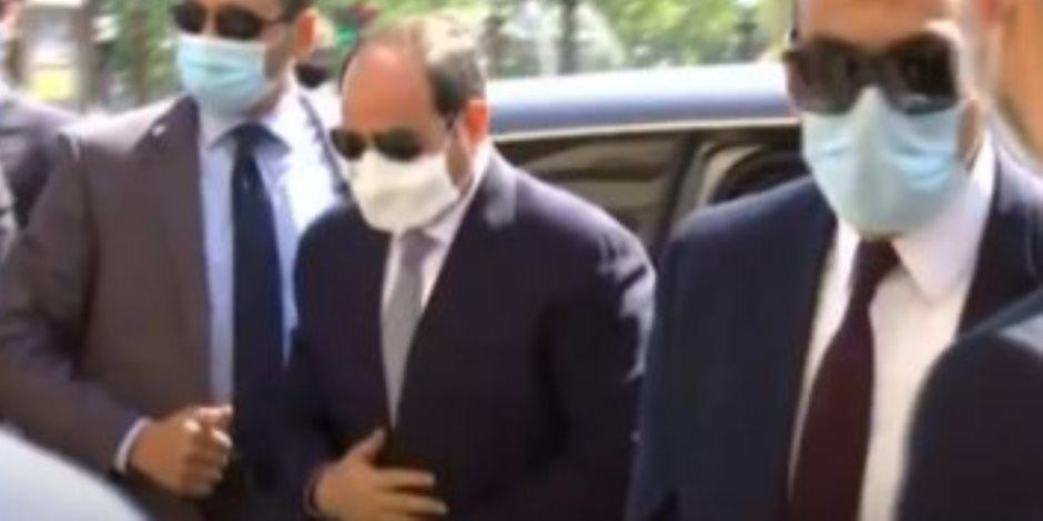 شاهد.. لحظة وصول الرئيس السيسي لمقر إقامته في باريس