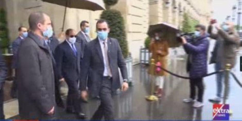 الرئيس السيسي يغادر مقر إقامته بباريس متجها إلى قصر الإليزيه للقاء ماكرون