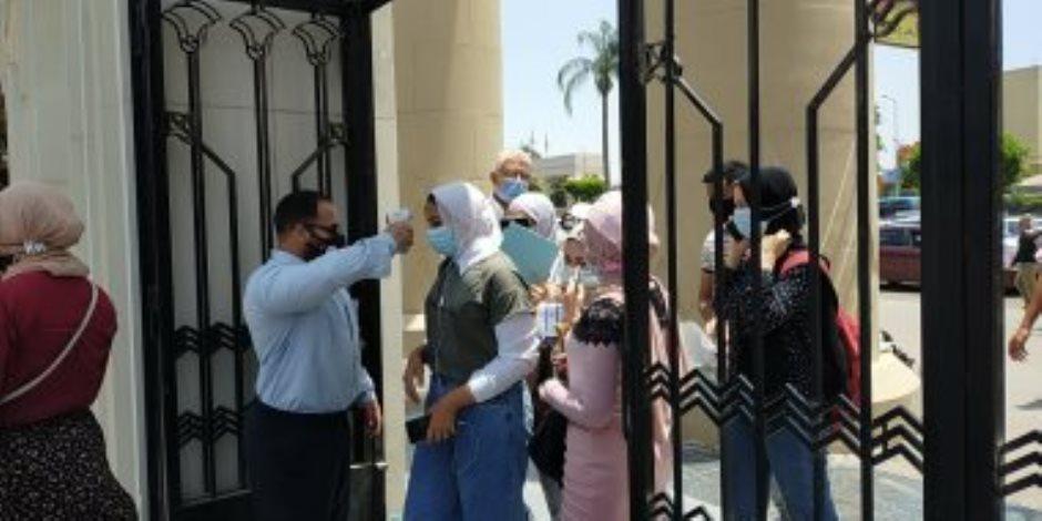 رفع حالة الطوارئ في جامعة عين شمس.. كمامة وكحول وكشف حراري