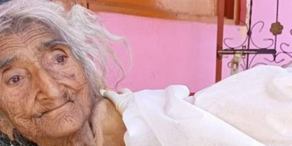 عمرها 124 عاما.. أكبر معمرة في العالم تتلقى لقاح كورونا فى الهند (صور)