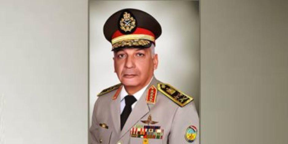 وزير الدفاع يلتقى رئيس هيئة الأركان المشتركة الباكستانية خلال زيارته لمصر