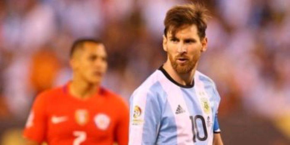 """كوبا أمريكا.. ميسي يسجل هدف الارجنتين الأول ضد تشيلي بعد 33 دقيقة """"فيديو"""""""