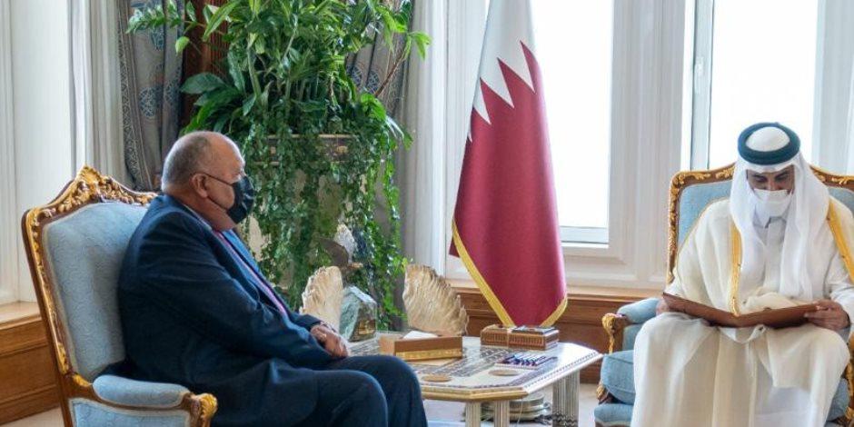 وزير الخارجية يسلم أمير قطر رسالة الرئيس السيسي.. وإشادات بالتطورات الإيجابية في العلاقات