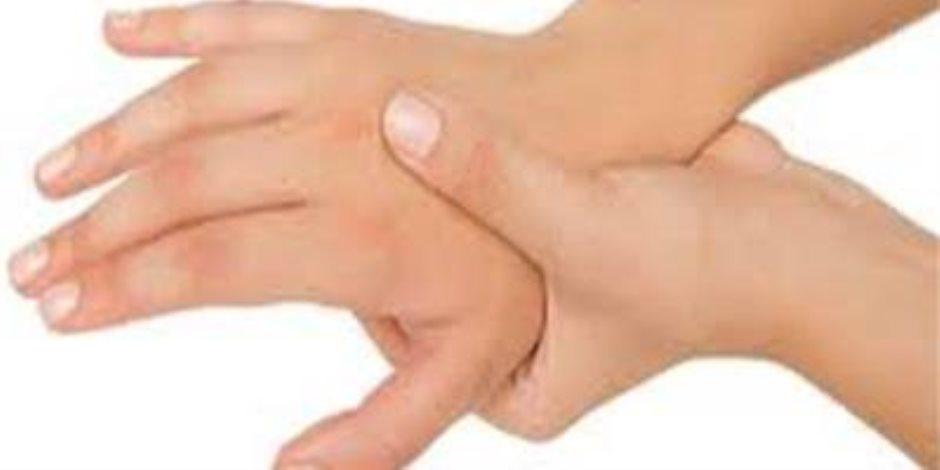 تعرف على أسباب تنميل اليدين وطرق علاجه