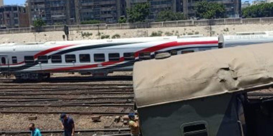 تحقيقات النيابة تكشف تفاصيل حادث قطار الإسكندرية: قدم مساعد الجرار اصطدمت بمقبض السرعة
