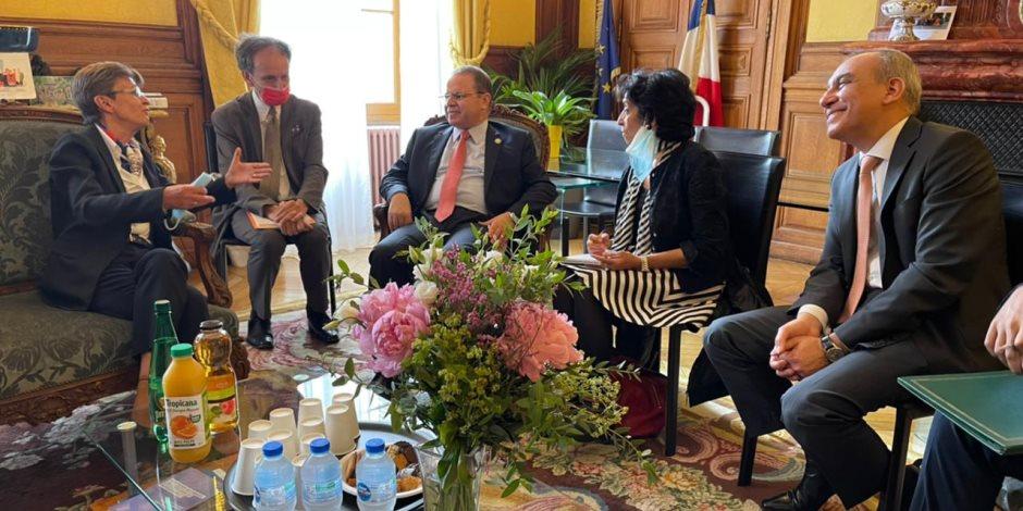 النائب العام يلتقى نظيره بباريس ويبحثان التعاون القضائى بين مصر وفرنسا