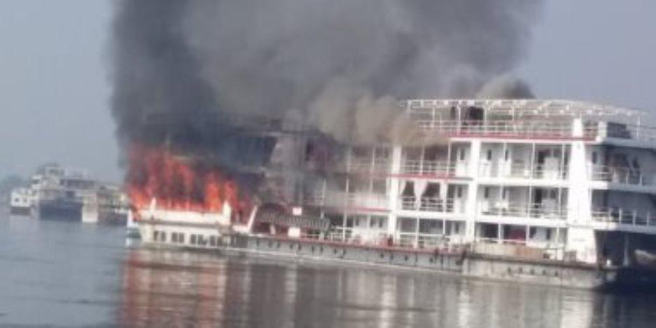 الحماية المدنية تسيطر على حريق هائل بمركب نيلي قرب كوبري الجامعة بالجيزة