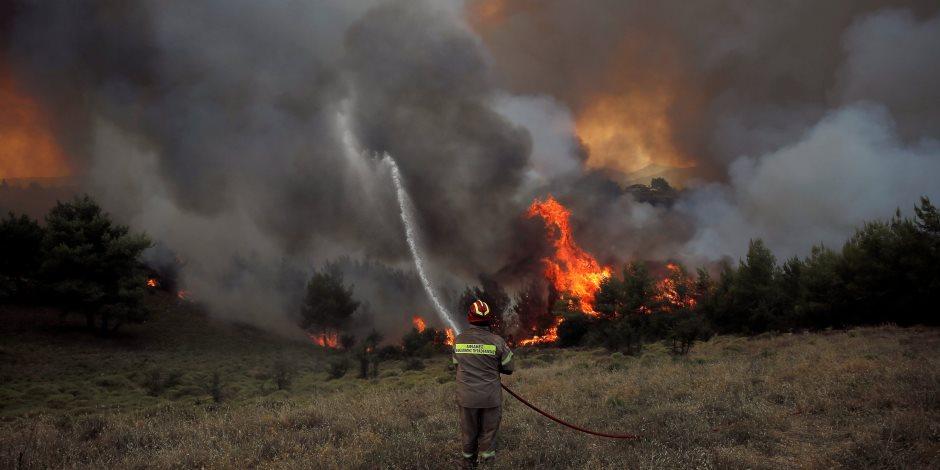 أزمة حرائق الغابات في اليونان تتفاقم.. كارثة هائلة وتدمير منازل وإصابات