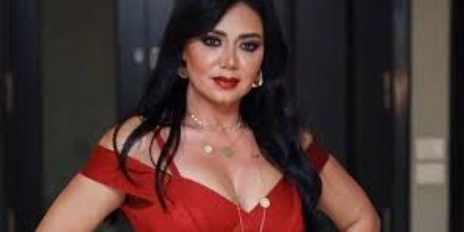 """رانيا يوسف ترقص علي انغام """"بنت الجيران"""" مع الراقصة جوهرة  """"صور"""""""