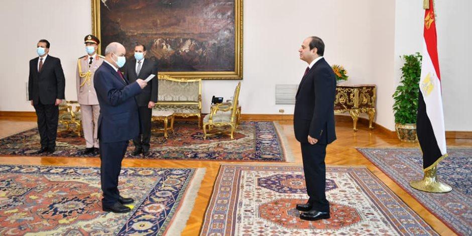 الرئيس السيسي يشهد أداء حلف اليمين للمستشار عزت أبوزيد رئيساً للنيابة الإدارية