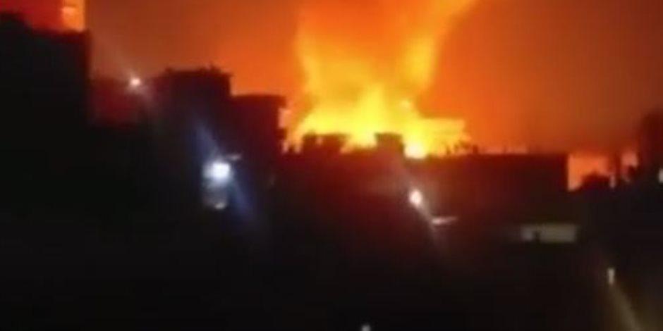 الحماية المدنية تحاول السيطرة على حريق ضخم بأحد مصانع منطقة الاستثمار بالإسماعيلية