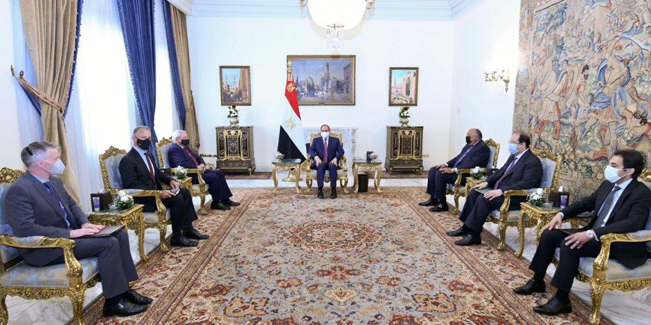 الرئيس السيسى يستقبل رئيس لجنة العلاقات الخارجية بمجلس الشيوخ الأمريكي