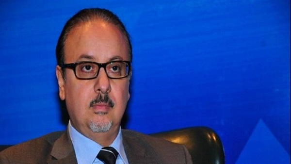 وزير الاتصالات يبحث مع مسئولى شركة هواوى الخطط التوسعية لأعمالها في مصر