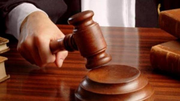 تنحي القاضي في واقعة اتهام طبيب عيون بـ«إحداث عاهة مستديمة» لسيدة