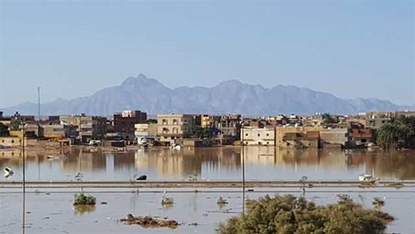 «أزمات الأقصر» تبحث مواجهة مخاطر السيول