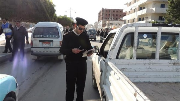 تحرير 8203 مخالفات مرورية بمحاور وميادين القاهرة