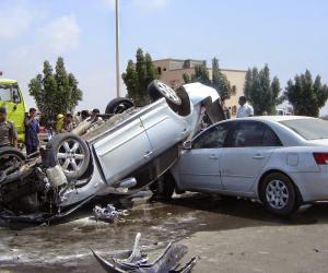 إصابة 5 أمناء شرطة ومجند في انقلاب سيارة أعلي محور 26 يوليو