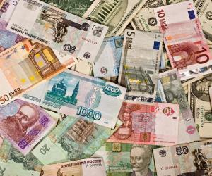 اسقرار أسعار العملات الأجنبية أمام الجنيه المصري.. والدولار يسجل 18.5 جنيه