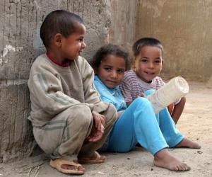 فى اليوم العالمي للقضاء على الفقر .. نصف فقراء العالم في 5 دول فقط (التفاصيل)