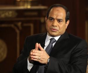 """السيسي: وجهت الحكومة بمحاسبة المتسببين فى حادث """"محطة مصر"""" ورعاية المصابين"""