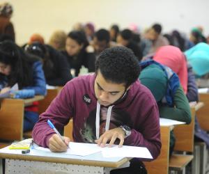 البابل شيت بعبع «اللي مبيذاكروش».. كيف تصدت «التعليم» لغش الامتحانات؟