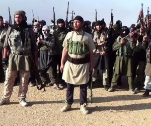 داعش يعدم 5 من عناصره في دير الزور السورية