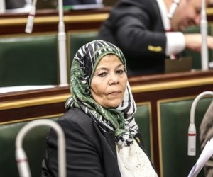 """برلمانية تطالب بترأس """"سيدة"""" الحكومة: أثبتن كفاءة"""