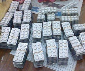 ضبط سائق توك توك وعامل بحوزتهما 1000 قرص مخدر في العياط