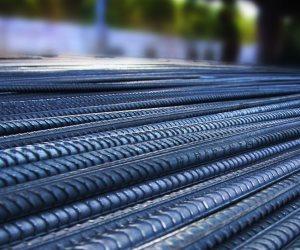 اختيار شركتين لتطوير شركة الحديد والصلب