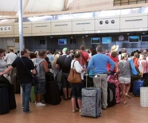 تقدم ليالي وأموال مجانية.. دول تستخدم الحيل لجذب السياح بالرغم من أزمة كورونا