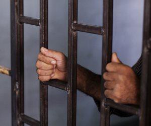 نيابة الجيزة تجدد حبس مقاول بتهمة محاولة السرقة والاعتداء