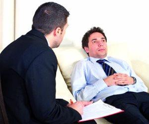 طبيب نفسي فرنسي يرجع تزايد الإصابة بالضغط النفسي لمواقع  التواصل الاجتماعي