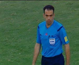 محمد الحنفى حكماً لمباراة الأهلي والطلائع غداً فى نهائى كأس مصر