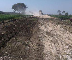 النقل: تنزع ملكية 5 أفدنة لربط الطريقين الزراعيين الغربي بالشرقي بنجع حمادي