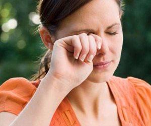 5 حاجات هتفكرك تبعد إيدك عن عينك.. بتبدأ بنقل الجراثيم وتنتهي بالعمى