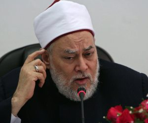 علd جمعة يحسم الجدل حول الجمع بين صلاة العيد والجمعة
