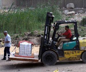 بالصور.. قبل ساعات من نقل رمسيس الثاني.. الأثريون يغلفون آثار المطرية ويؤكدون: في يد أمينة