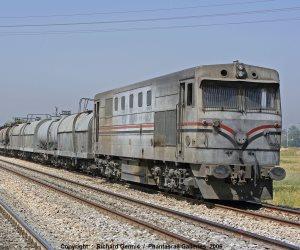 بالمخالفة للقانون.. تفاصيل حصول رئيس «المصرية للسكك الحديدية» على منح ومكافآت بلغت 275 ألف جنيه خلال عام