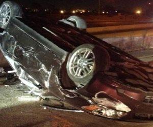 مصرع وإصابة 10 في حادث انقلاب سيارة أجرة على صحراوي بني سويف