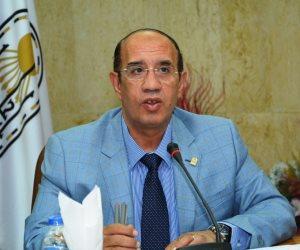 رئيس جامعة أسيوط يقرر وقف الدراسة غدا ويعفي الموظفين من التوقيع