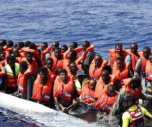 عودة 53 مهاجرا إلى النيجر عبر مطار معيتيقة بطرابلس
