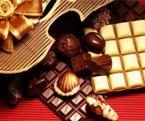 قبل اختيار نوع الهدايه تعرف على تأثيرها على طاقة صاحبها.. العطور والشيكولاتة تسبب الفراق