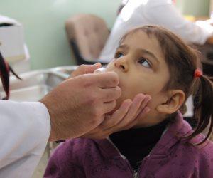 الصحة تعلن تطعيم 8 ملايين و842 ألف طفل ضد شلل الأطفال فى أول يوم للحملة