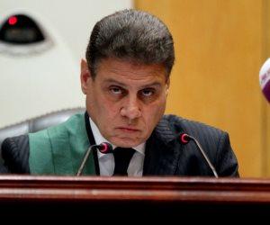 خالد مشعل يظهر داخل محكمة جنايات القاهرة.. اعرف السبب