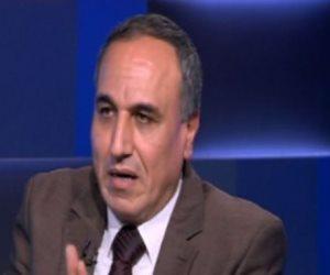 """نقيب الصحفيين و""""الطيب"""" و""""موسى مصطفى"""" يقدمون واجب العزاء لوكيل البرلمان"""