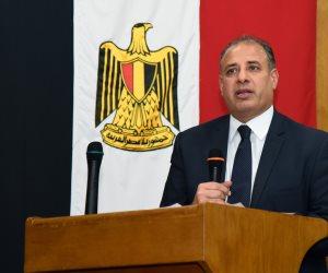 محافظة الإسكندرية يطالب بضرورة التصدي للمخالفين بكل حزم وتطبيق القانون