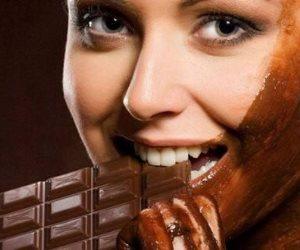 الشوكولاتة والزبادي.. لبشرة أكثر نضارة (إنفوجراف)