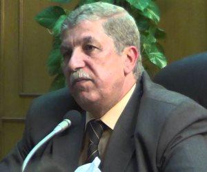 محافظ الإسماعيلية يناقش تنفيذي المشروعات الخدمية قبل عرضها على رئاسة الوزراء