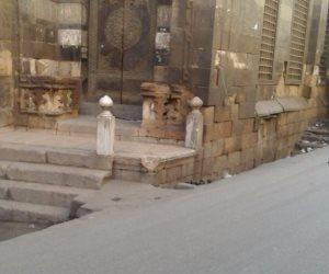 سرقة رخام مسجد أبو حريب.. والمسؤولون «في غيابة الجب»